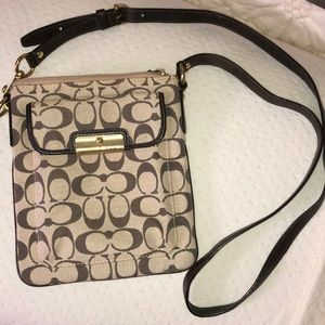 Coach purse! Long strap, LIKE NEW!